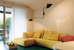 客厅黄色小沙发装修
