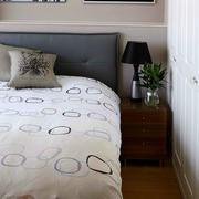 卧室白色简约装修