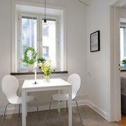 公寓简约白色实木桌效果图