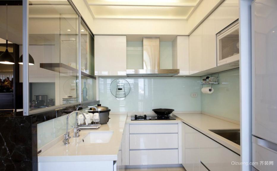现代简约日式厨房装修效果图