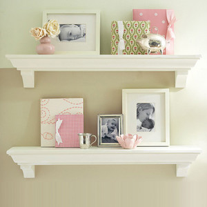 墙上木质储物架图片