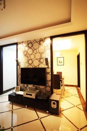 30平北欧风客厅电视墙造型图