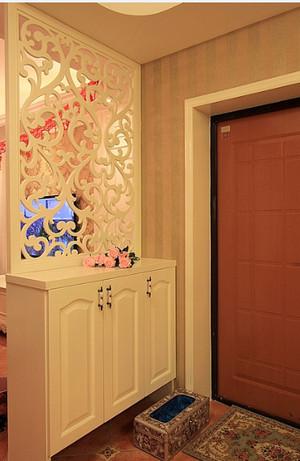 进门玄关鞋柜隔断装修效果图