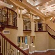 复古别墅楼梯公寓款