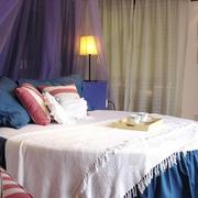 小户型地中海公寓卧室撞色款