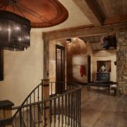 复古别墅楼梯复式型