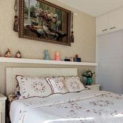 简约卧室床头墙