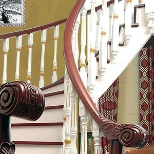小户型阁楼实木楼梯装修设计效果图