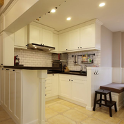 暖色调厨房装修图片