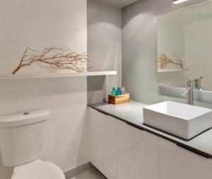 小户型精致简约卫生间设计装修效果图