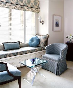 单身公寓欧式客厅飘窗背景墙装修效果图