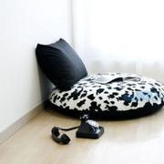 黑白色调卧室沙发图片