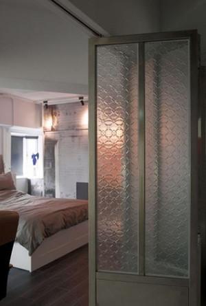 三室两厅大户型卧室玻璃隔断装修效果图