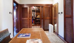 单身公寓新中式风格玄关衣帽间装修效果图