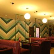 暖色调咖啡店效果图