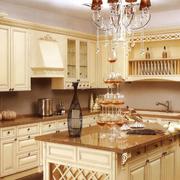 厨房设计暖色调图