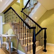 暖色调楼梯造型图