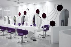 现代美发店装修图