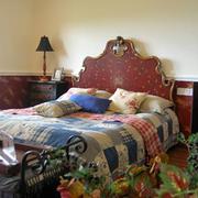 精致的床铺色调搭配