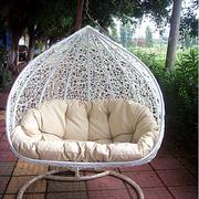 唯美的现代吊椅设计