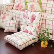 纯白色调沙发设计