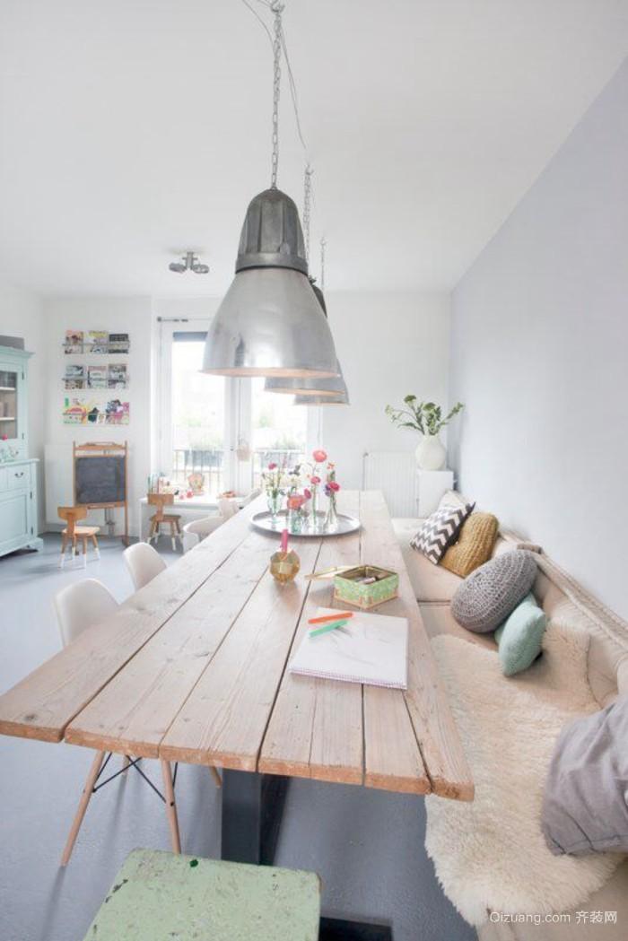 单身汉公寓美观又好用的实木餐桌集锦