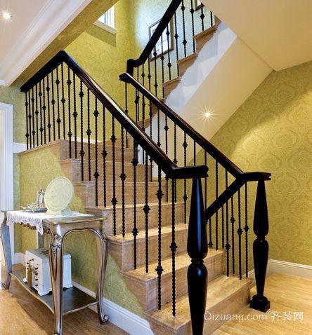 复式楼欧式客厅实木楼梯装修效果图