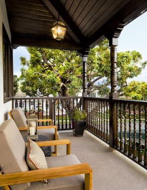 欧式风格复式楼阳台护栏装修效果图