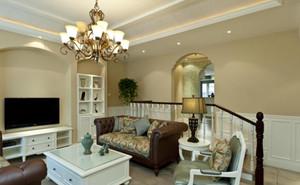 120㎡罗曼蒂克法式客厅吊顶电视背景墙设计装修效果图