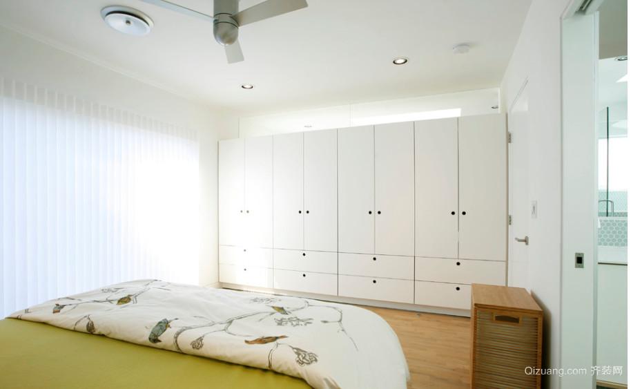 小户型卧室整体壁柜装修效果图