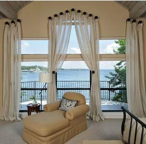 大户型客厅带阳台窗帘装修效果图