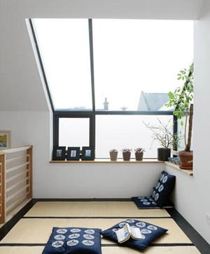 70平小户型阳台榻榻米装修效果图