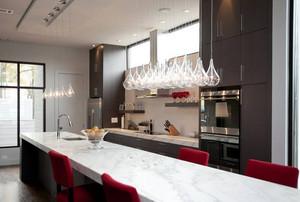 大户型现代美式宜家厨房吧台装修效果图