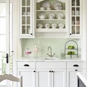 纯白色调厨房图