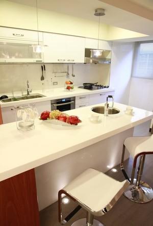 简欧大户型开放式厨房吧台装修效果图