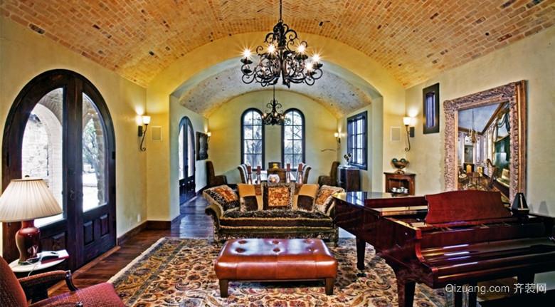 古典欧式别墅客厅装修图