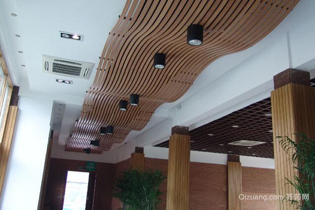 大户型客厅环保生态木吊顶装修效果图
