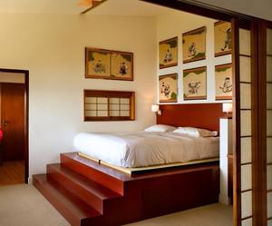 日式卧室榻榻米床装修效果图