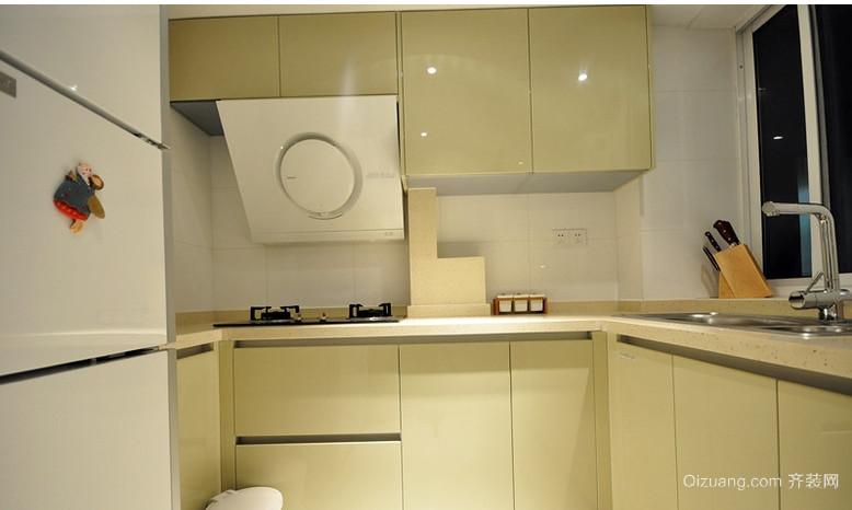 60平小户型小厨房橱柜装修效果图