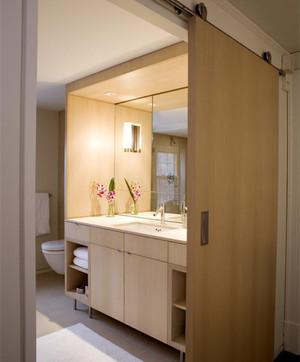 卫生间玻璃推拉门装修效果图
