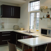 现代化的家居厨房