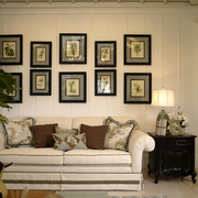 朴素精致客厅照片墙