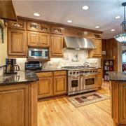 复古典雅厨房橱柜