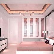 粉色甜美的卧室墙衣