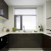 厨房黑色橱柜展示