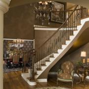 别墅实木楼梯装修