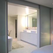 卫生间简洁装潢欣赏