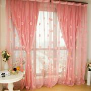 粉色调窗帘装修设计