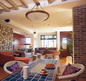 三室二厅混搭风格客厅背景墙装修效果图