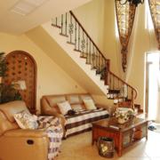 东南亚客厅楼梯装饰